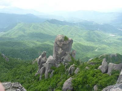 ニョキニョキ岩