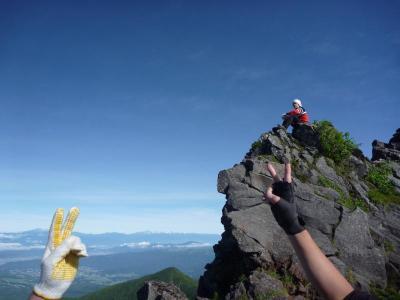 崖の上の男