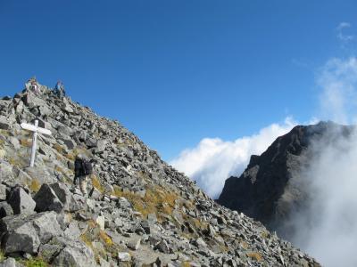 山頂へ向かう