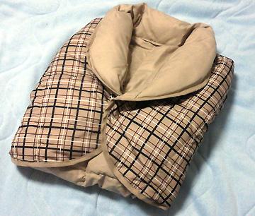 睡眠時の必需品「肩当て」です