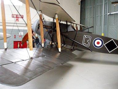 いかにも木と布製のRE8機Duxford IWMにてdownsize