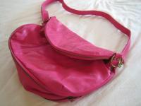 ピンク ショルダーバッグ