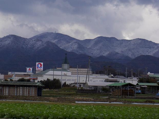 2013年12月20日、諭鶴羽山に初冠雪