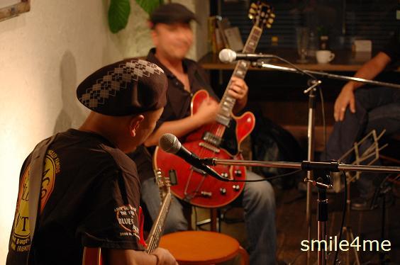 2010909 4th anniversary live (4)