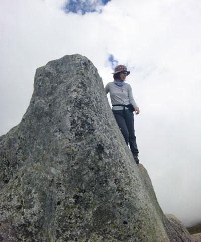 山ガール|日帰り登山|中央アルプス|宝剣岳(標高2931m)|長野県|2012/08/04|登山コース(中岳巻道~宝剣岳)