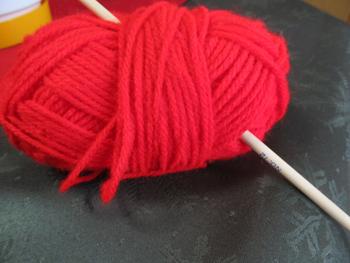 赤い毛糸・・・