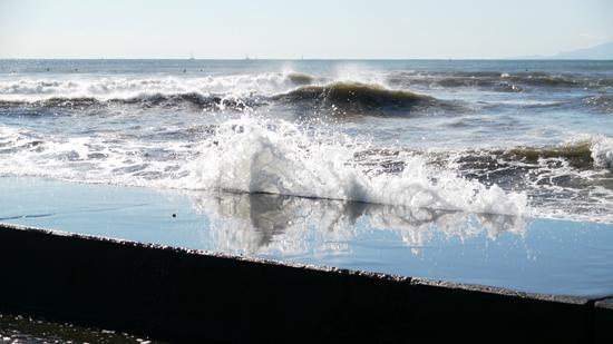 波が荒れて・・・
