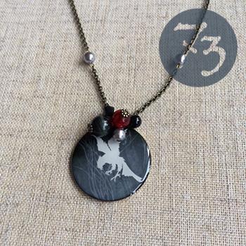鷲とイーグルアイのネックレス