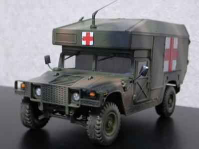 ハンヴィー救急車02