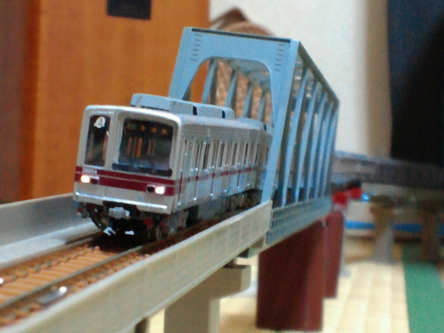 ペアーハンズ製Nゲージ東武鉄道20050系電車