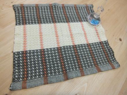 手織りのハンカチ