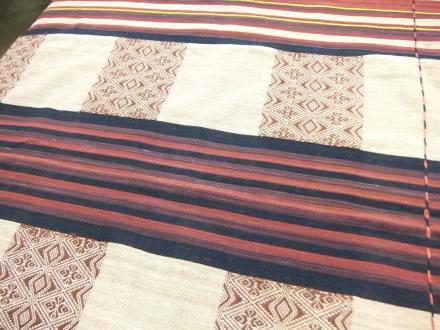 ナガ族の手織り布