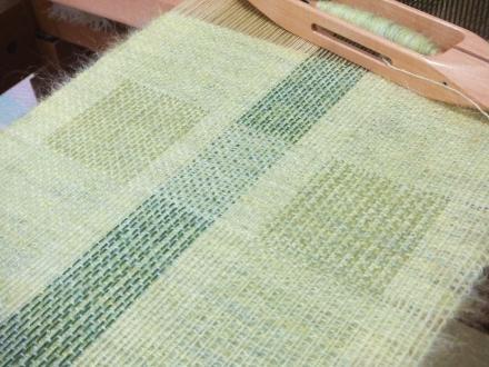 昼夜織りのマフラー