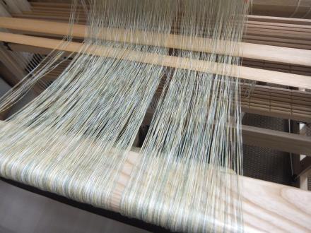 極細の経糸…