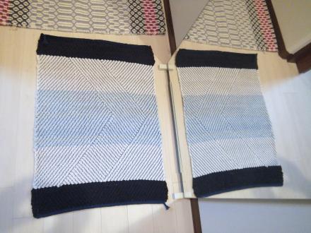 綾線効果の裂き織りマット・その1