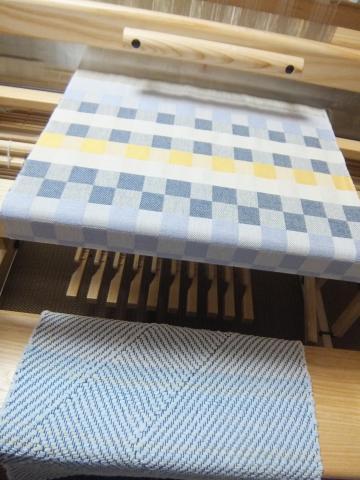 裂き織りのベンチマット