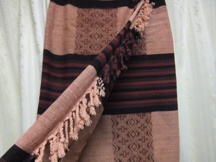 ナガの布でスカート