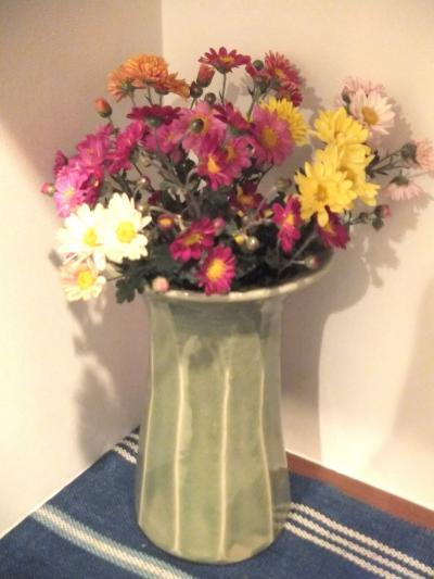 秋の花 玄関にて
