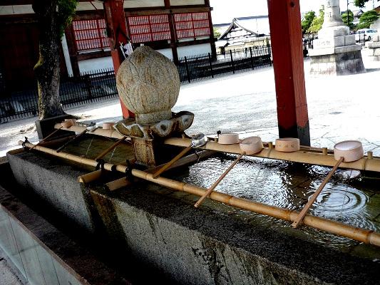 東寺-手水鉢