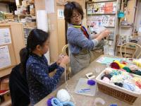 指編みを教わります