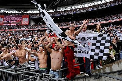 Swansea-fans-016.jpg