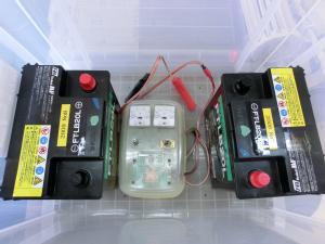 バッテリーとコントローラー
