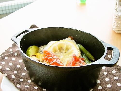 瀬戸内産の真鯛と季節野菜の塩レモン焼き