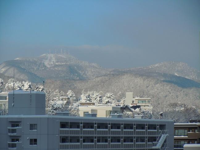 雪の山 003