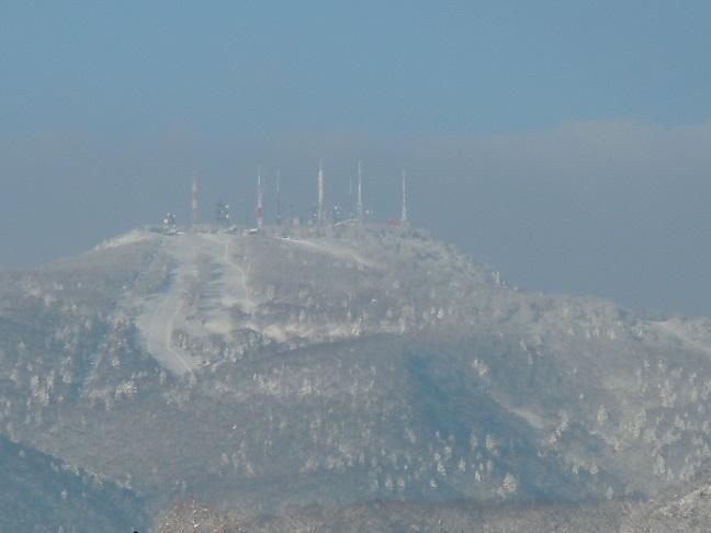 雪の山 004