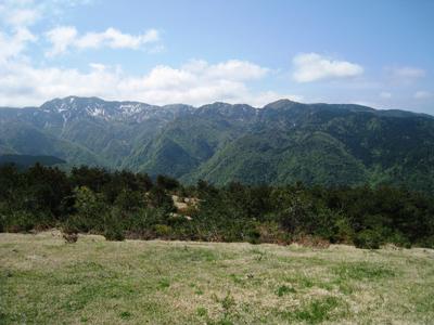 金北山を眺める