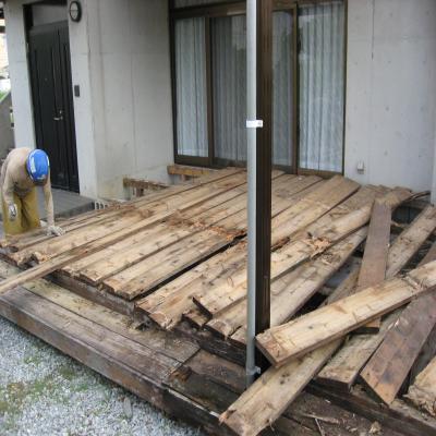 人工木材 樹の木Ⅲ 既存メインデッキ解体中