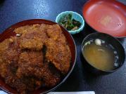 ダチョウソースカツ丼
