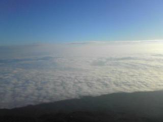 雲海と青い空