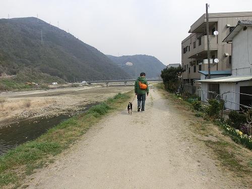 11.04.02 散歩 01