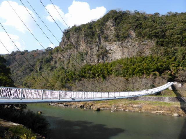 鷹栖つり橋1