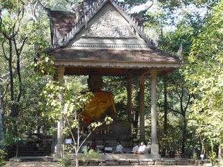 仏様を奉っている祠