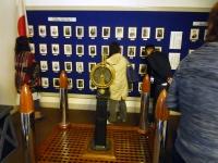 エントランス左右の展示コーナー