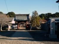 満蔵寺山門と本堂