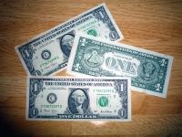 お釣りは「ドル」で
