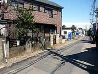住宅地の中の鎌倉街道と道標