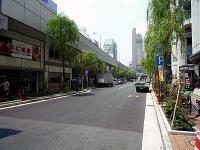 御門通り、新橋駅方面