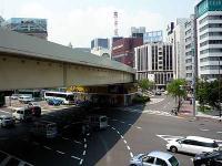 蓬莱橋交差点の御門通り