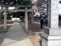 瓦葺氷川神社 境内