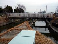 下流サイドから見た東西縁用水路