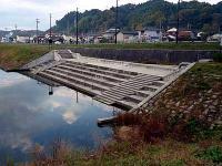 湯本川調整池 排水樋門
