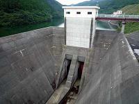 四時ダム洪水吐