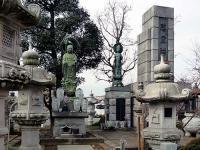 水子地蔵と慰霊碑