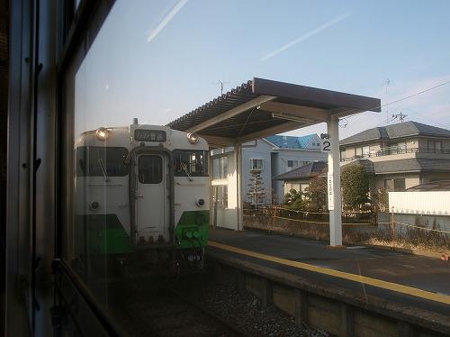 渡波駅での交換