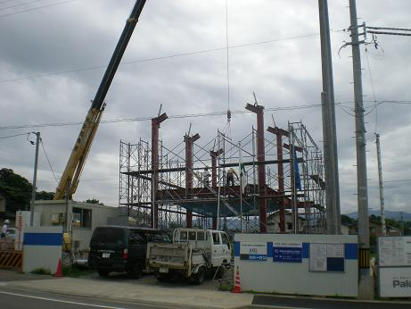 順調に進捗する消防格納建屋