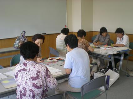 もちのき学級補習で創作紙工芸に挑戦